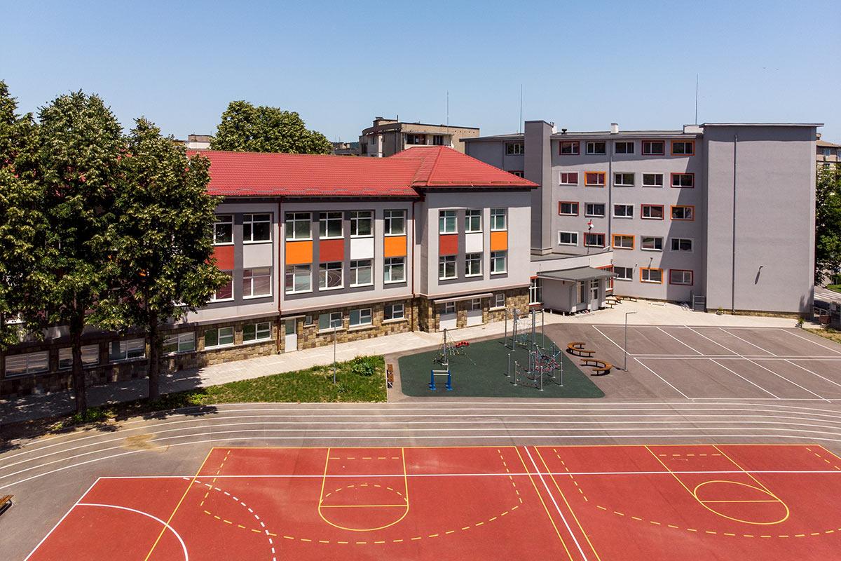 Основно училище Цанко Дюстабанов